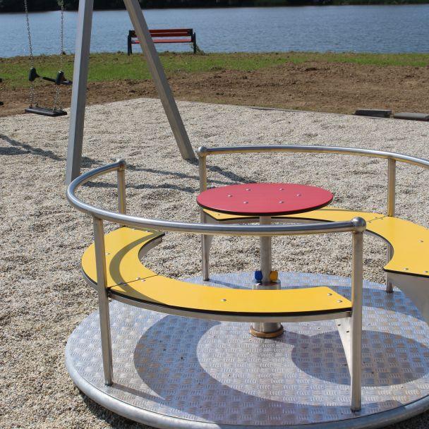Detské ihrisko oddychovo-rekreačnej zóny na brehu vodnej nádrže Malá Domaša